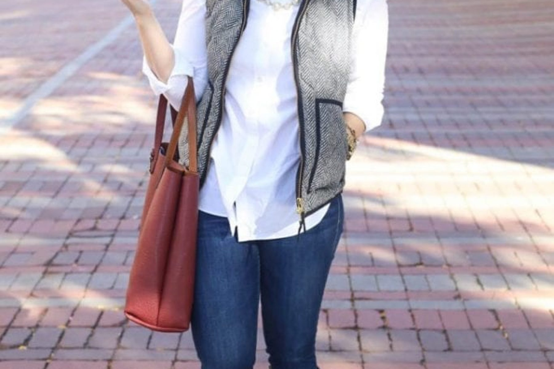 Vermont Fall Fashion Fall Maple Syrup Forever 21 Sweater Joes Jeans Madewell Tote J.Crew Puffer Vest 31