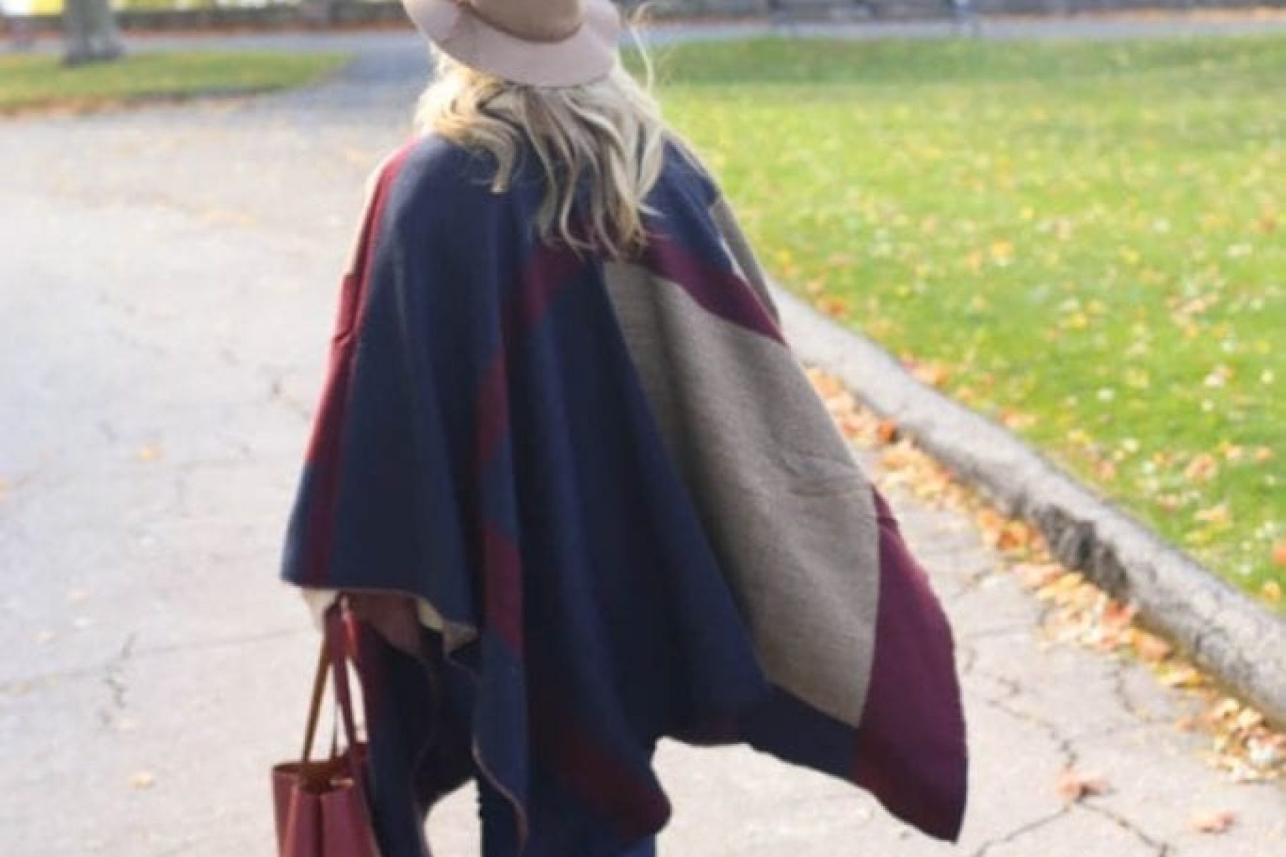 Fall Fashion-Vermont-Travel-Blogger-Afternoon Espresso-Cape-Poncho-Vince Camuto Booties-Joe's Jeans-