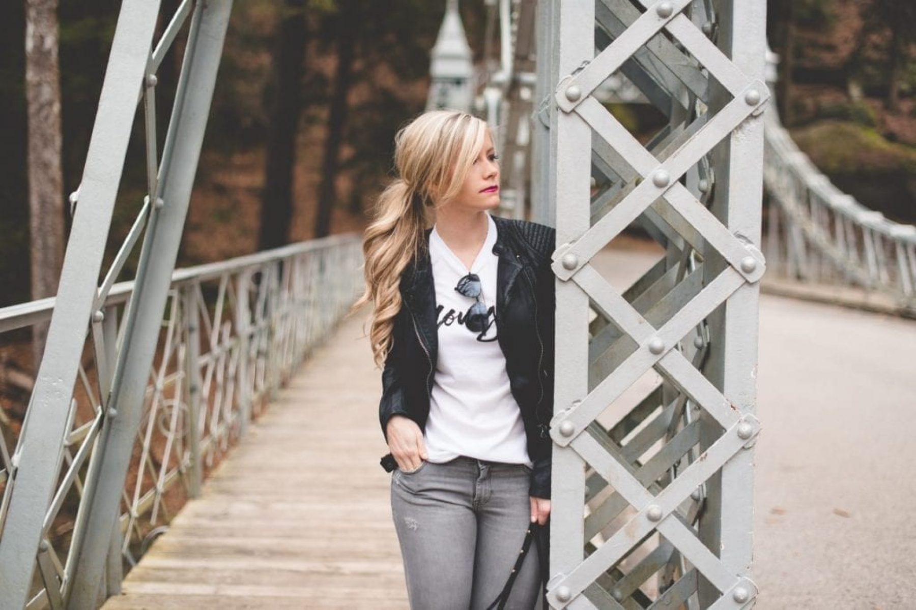 Younger-TV-Hilary-Duff-Blogger-Leather Jacket-Winter