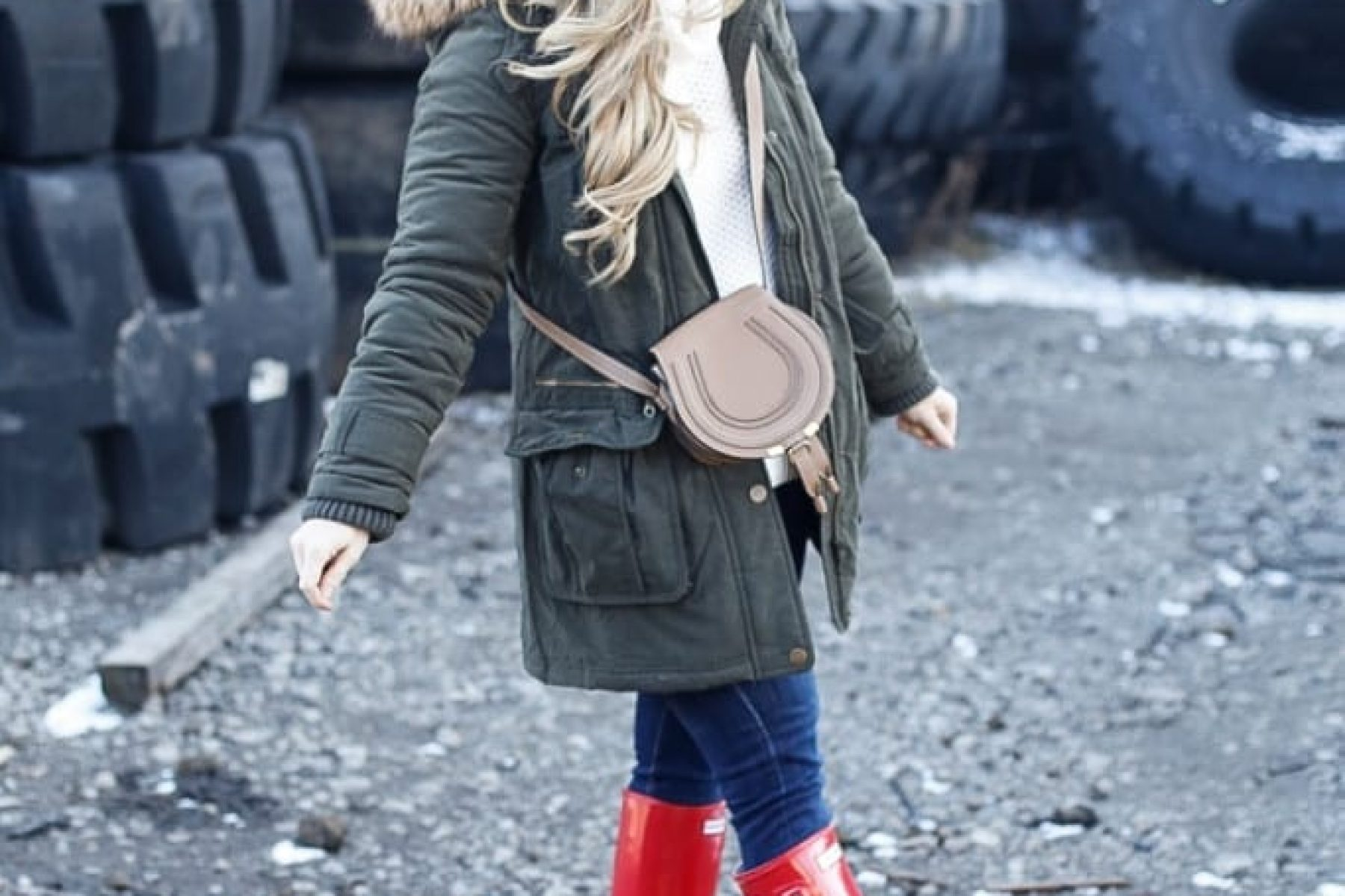 Blogger-Afternoon-Espresso-Fashion-Hunter-Boots-Joe's Jeans-Chloe-Bag-Halo-Couture-Rustic (2 of 9)
