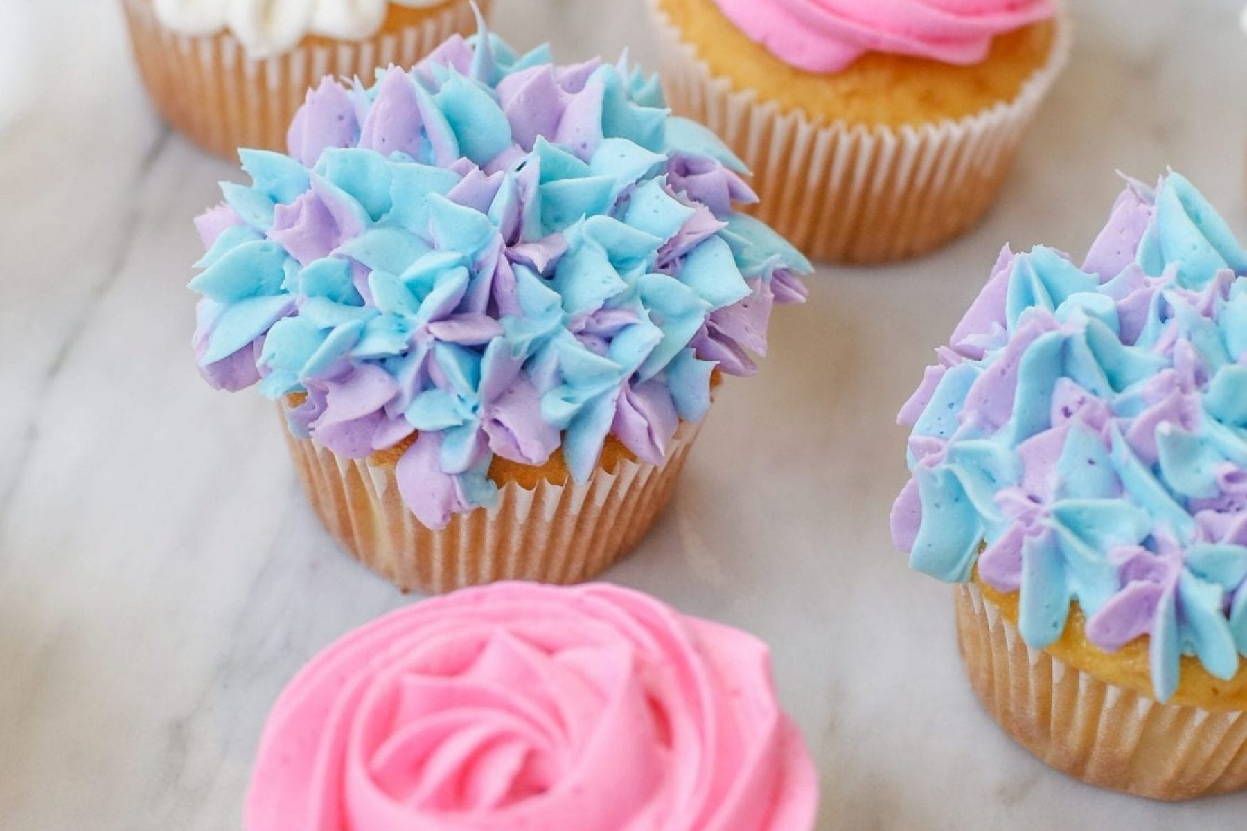 Spring Cupcakes- Recipe- How to make flowers on cupcakes -9