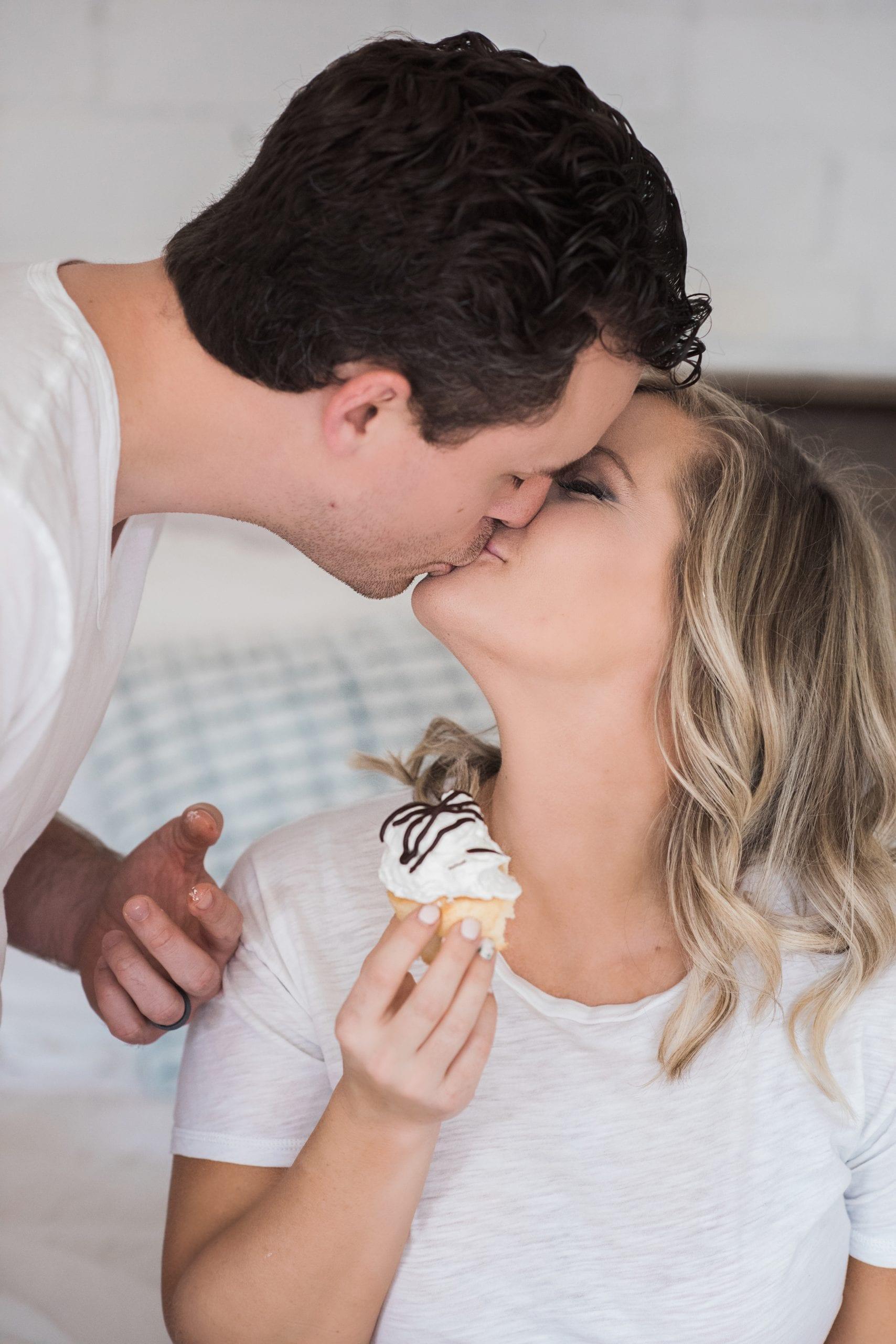 39 week bumpdate - due date -Pittsburgh blogger- maternity- cupcake cravings- Merritt Lee Photography