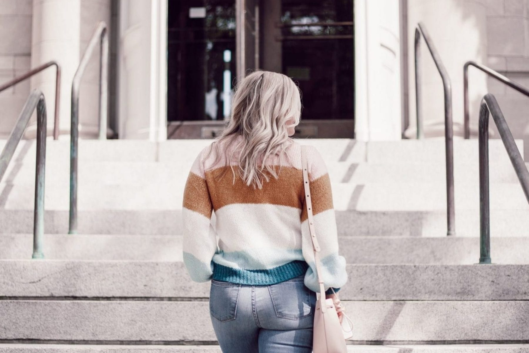 Afternoon-Espresso-Anniversary-Sale-Nordstrom-Topshop-Colorblock-Sweater-Madewell-Denim-Blogger-80-of-10