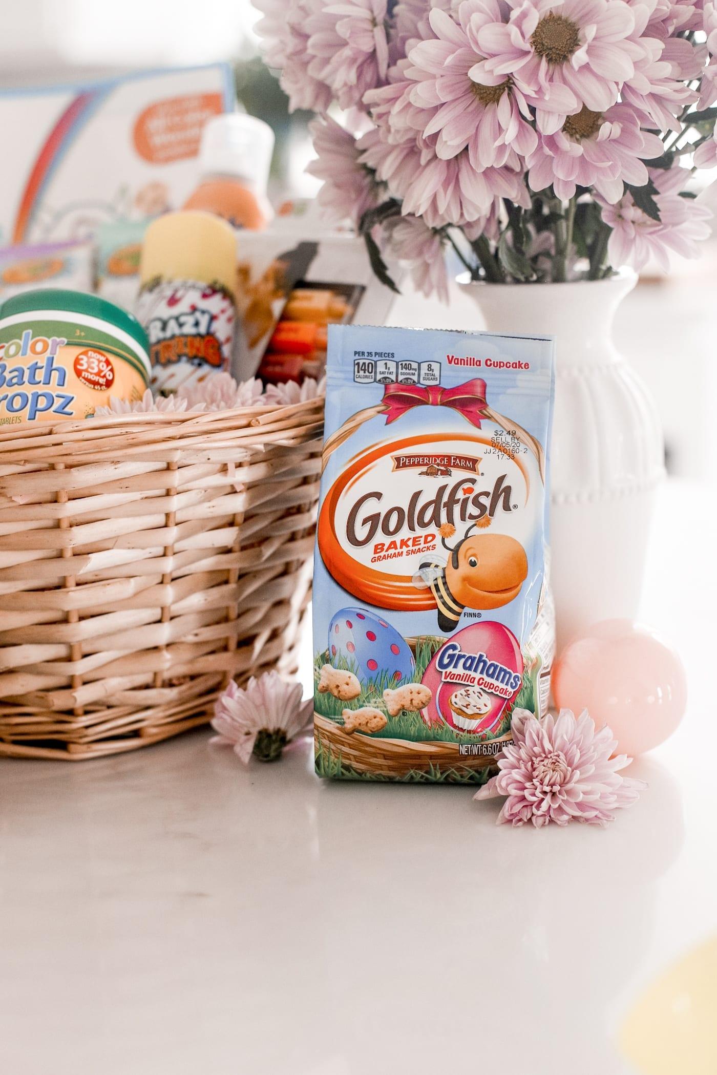 colorful easter basket ideas- Goldfish Grahams