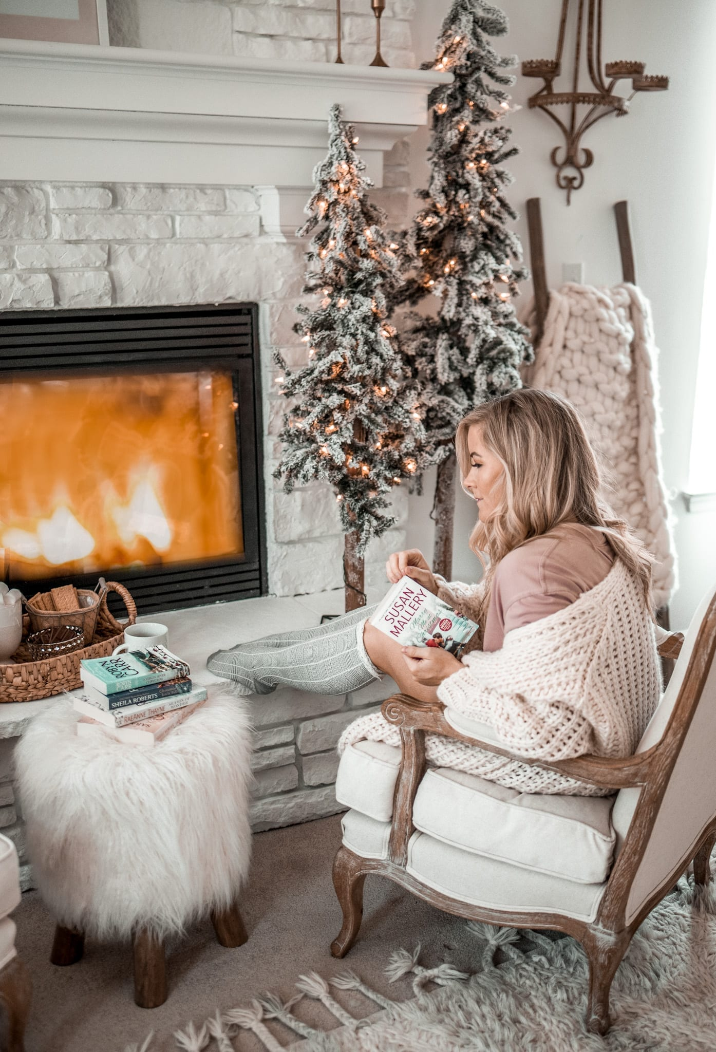 Christmas in Summer Reading List - Harlequin Books - BookClubbish - Robyn Carr - Cozy home.