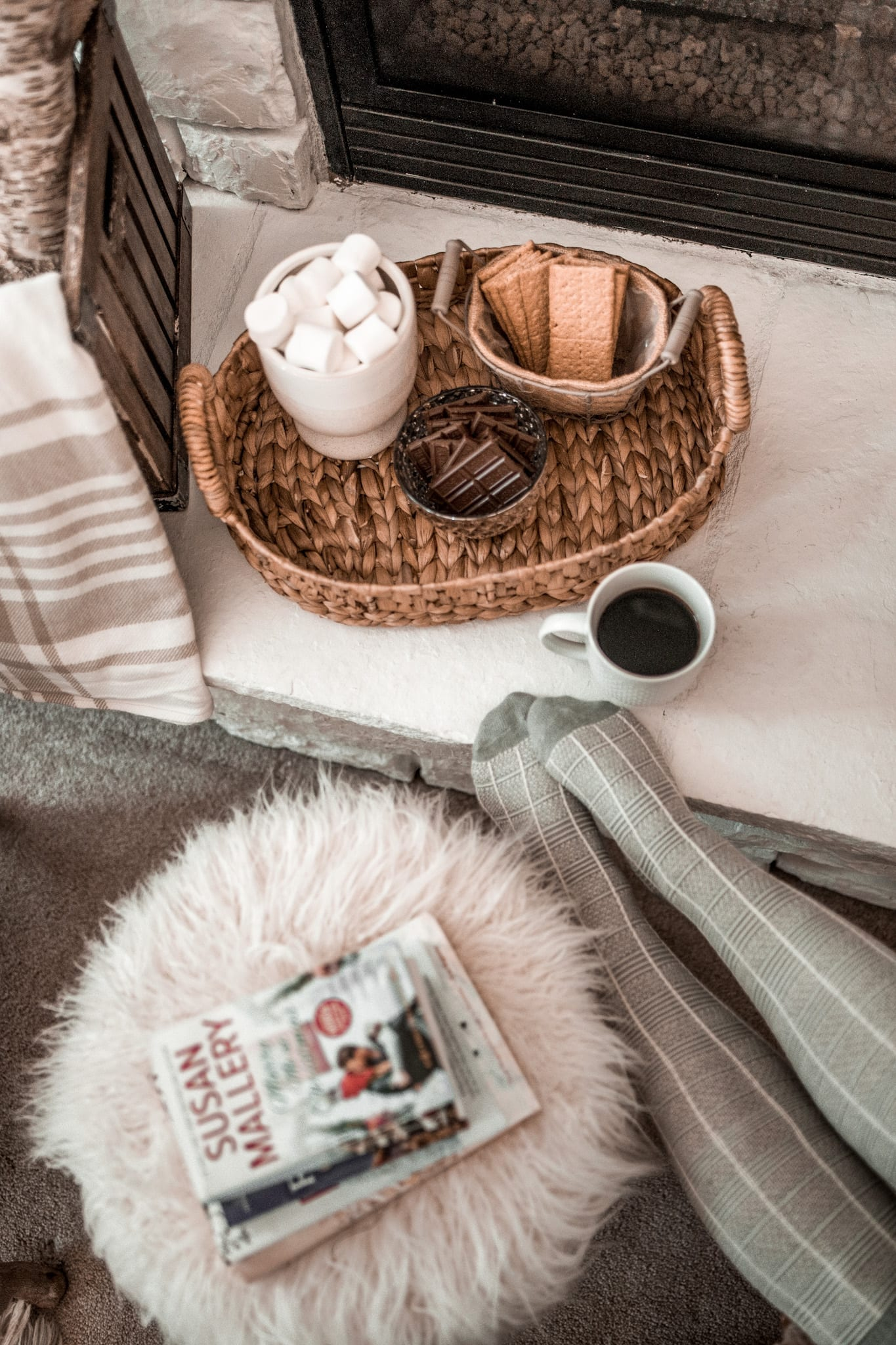 Christmas in Summer Reading List - Harlequin Books - BookClubbish - cozy smores - home