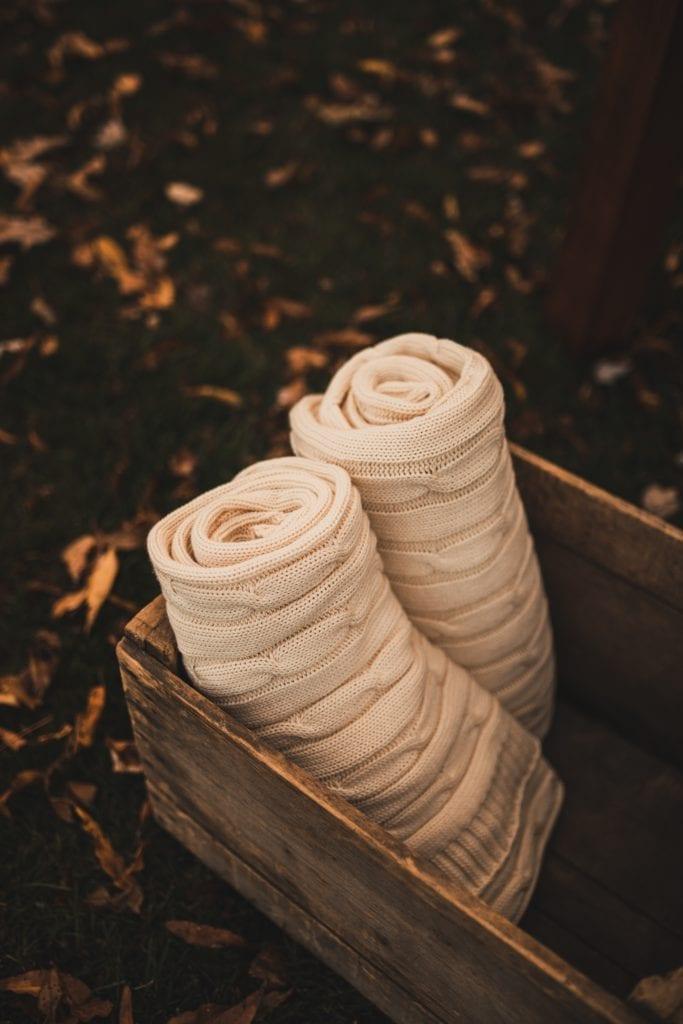 Pittsburgh Wedding- Wedding Idea- Cozy Wedding- Rizzy Home- Knit blanket